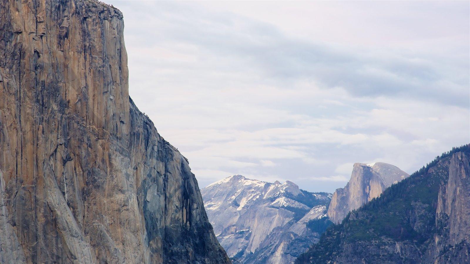 Tunnel View caracterizando montanhas