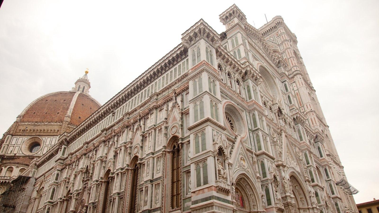 Catedral de Santa Maria del Fiore mostrando arquitetura de patrimônio e uma igreja ou catedral