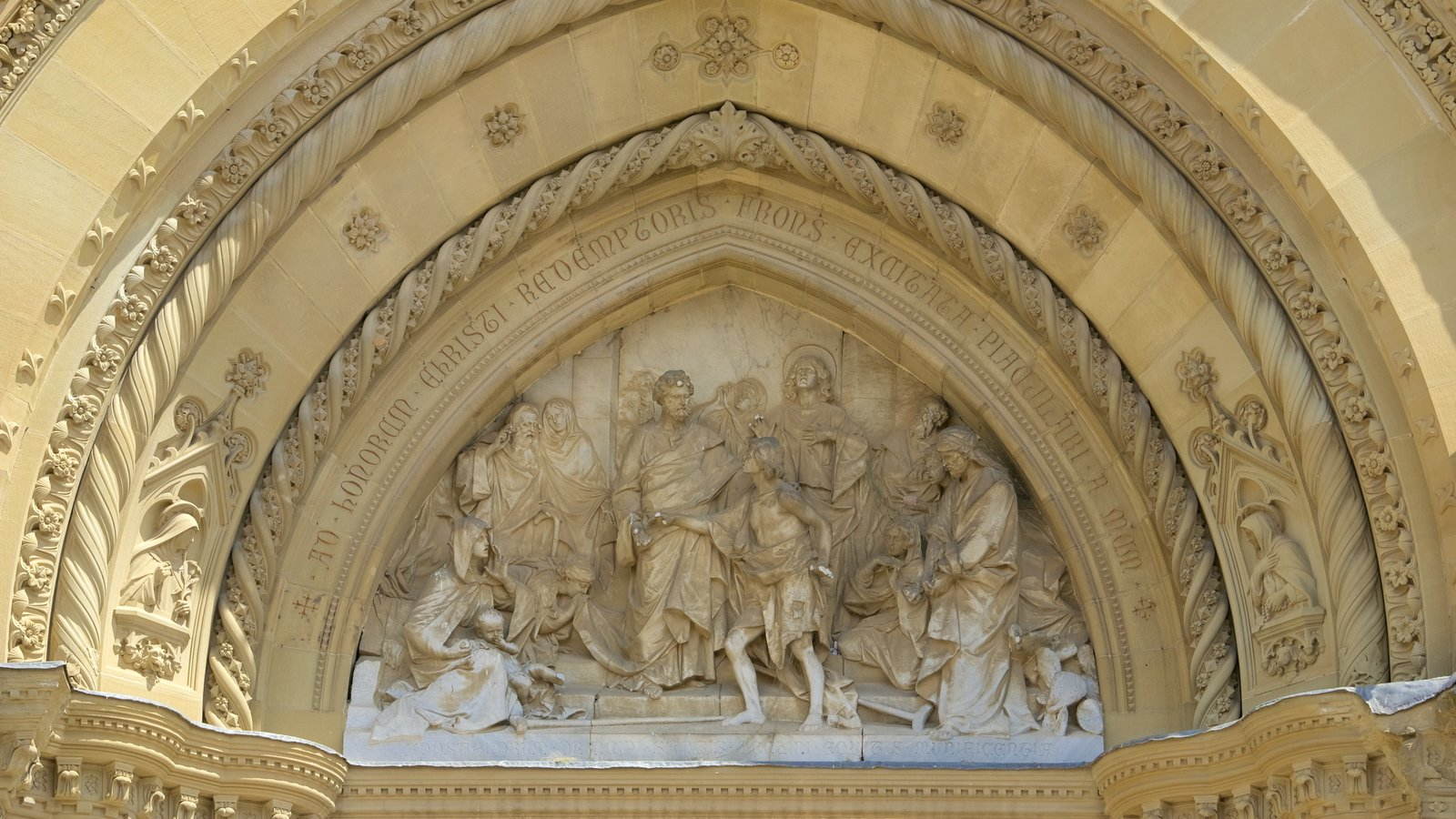 Cathedral of Arezzo featuring a church or cathedral, religious elements and heritage architecture