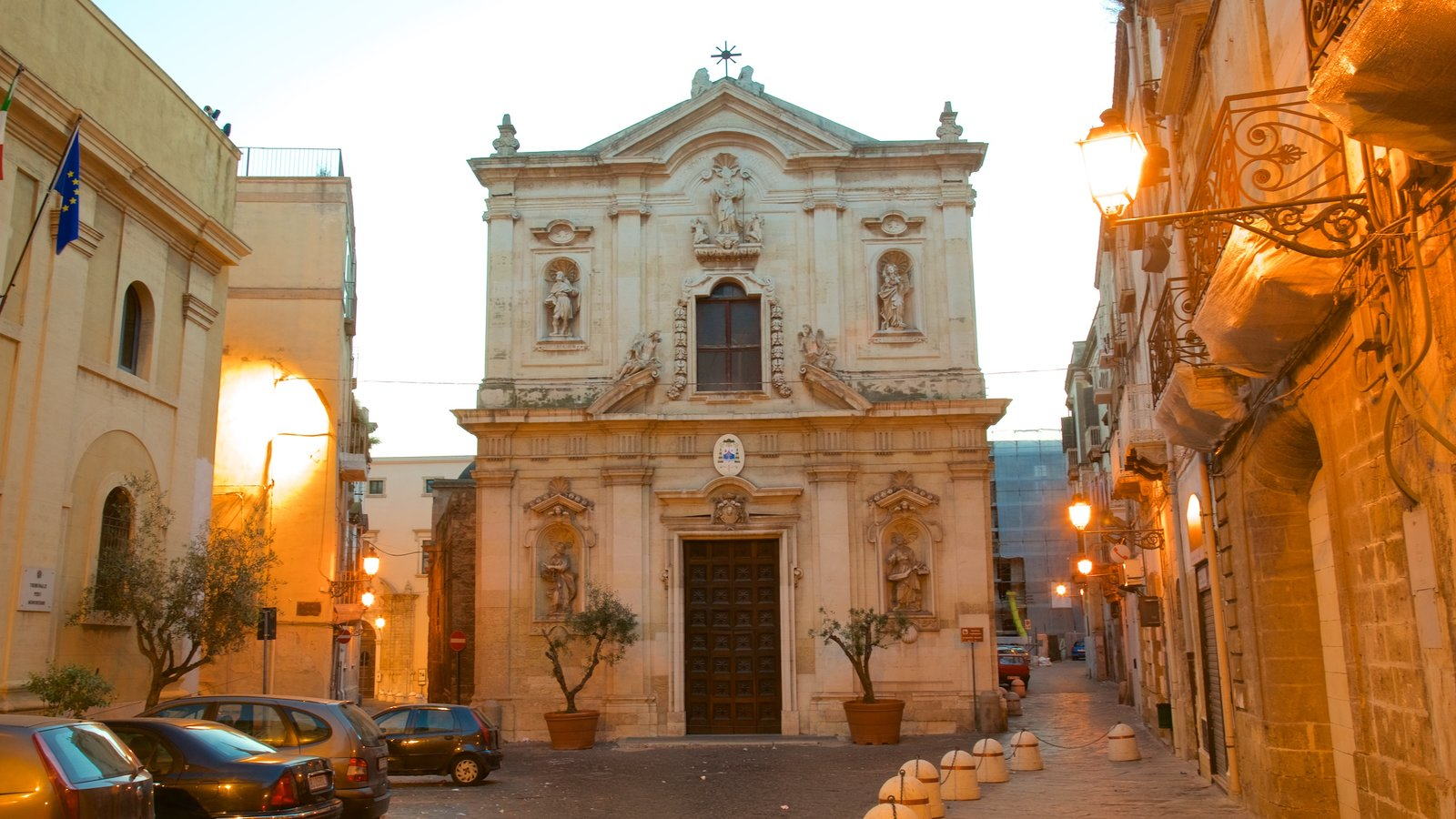 Taranto which includes street scenes, a church or cathedral and heritage architecture
