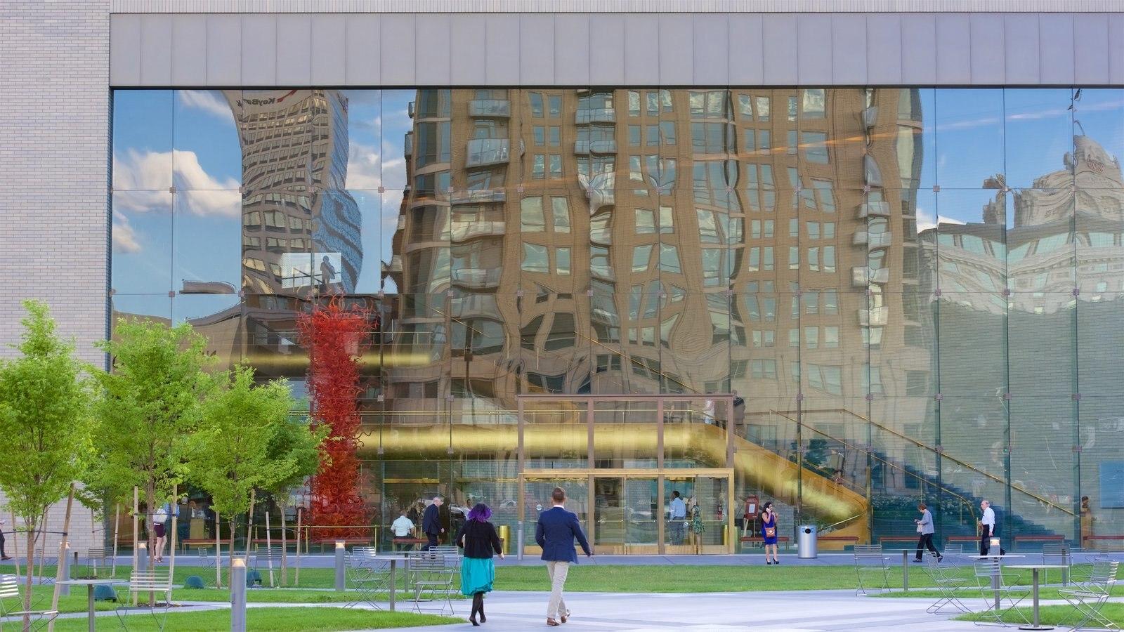 Salt Lake City que inclui arquitetura moderna e um parque
