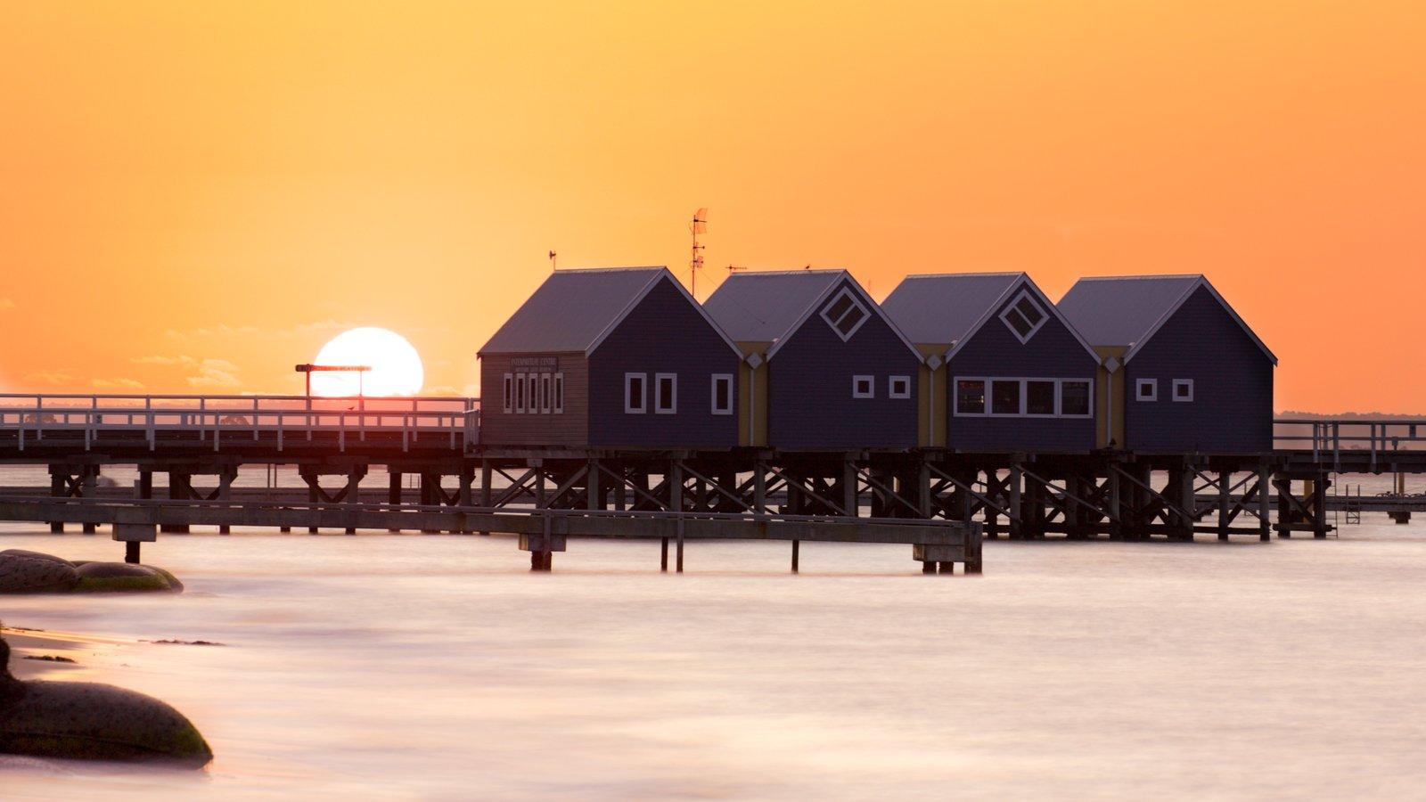 Australia mostrando un río o arroyo y una puesta de sol