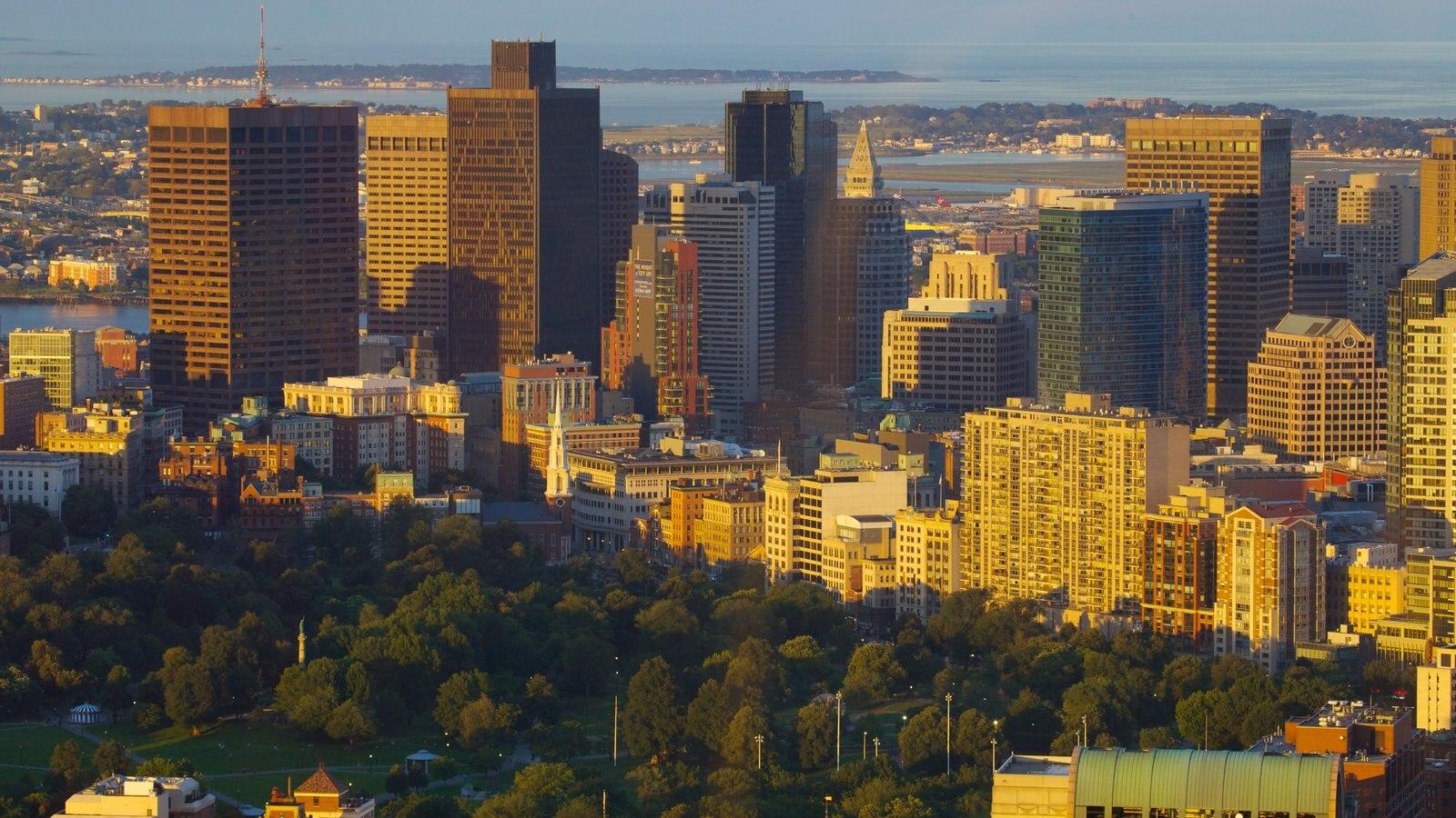 Prudential Tower que incluye una ciudad, dfc y un rascacielos