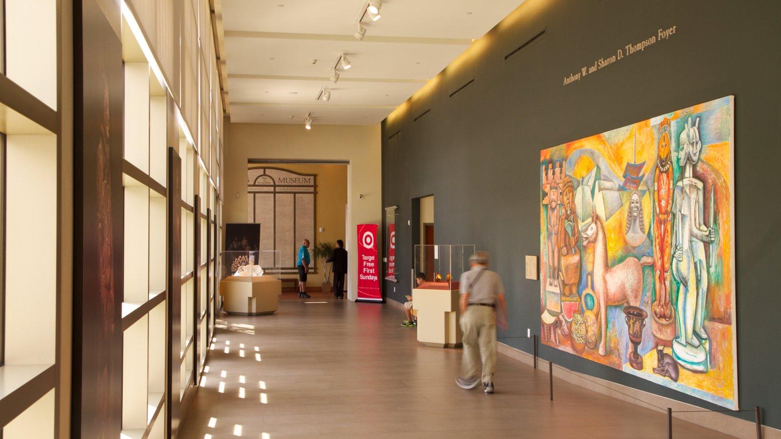 Museo Bowers que incluye vistas interiores
