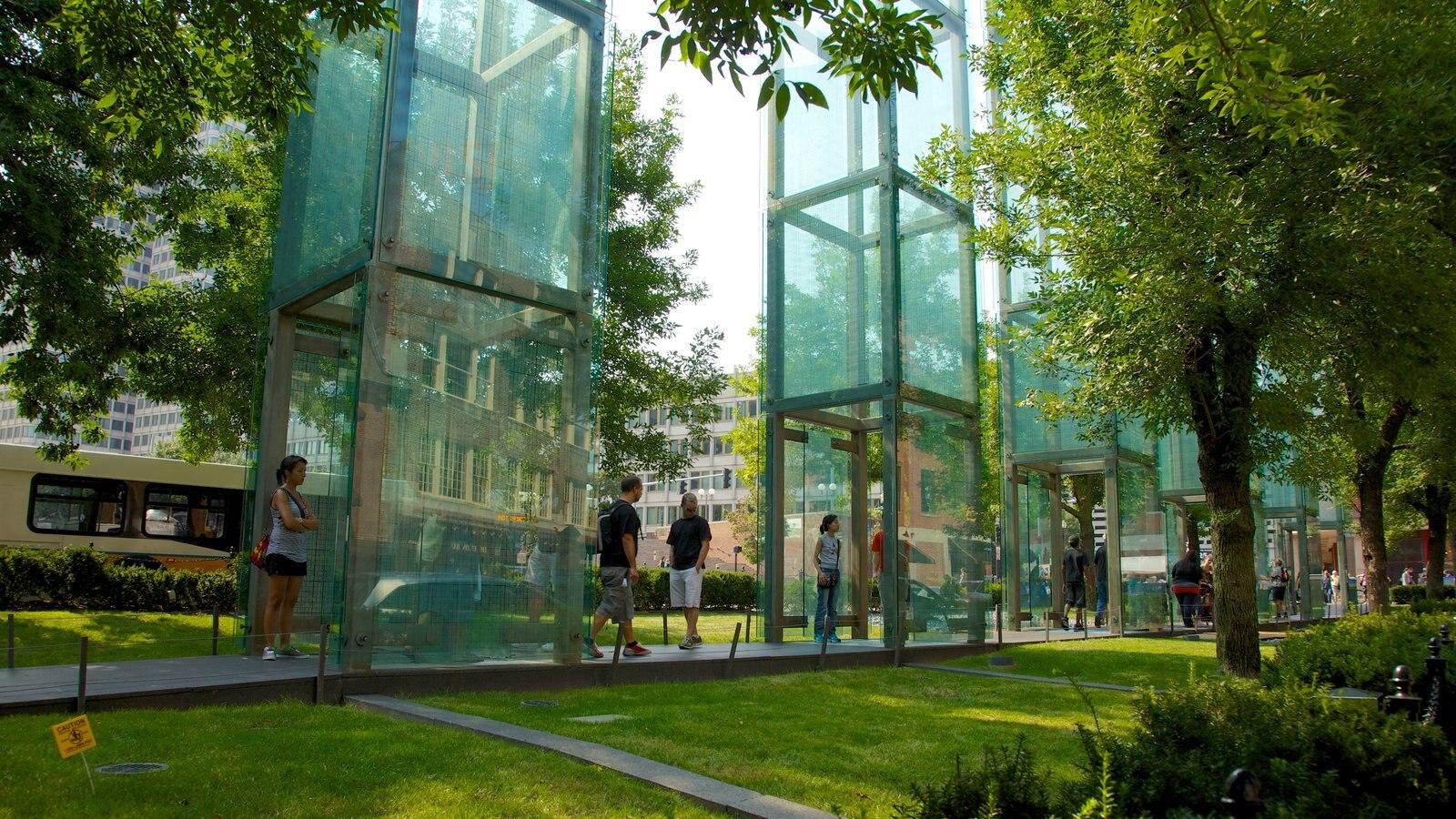 Boston mostrando um parque e arquitetura moderna
