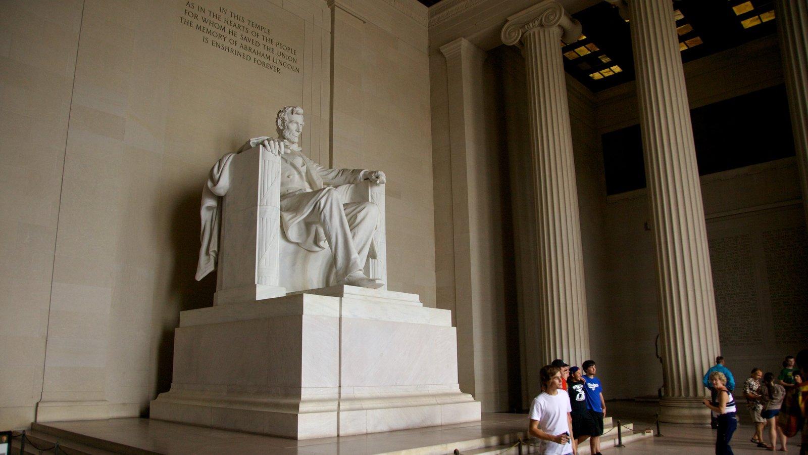 Lincoln Memorial showing a memorial