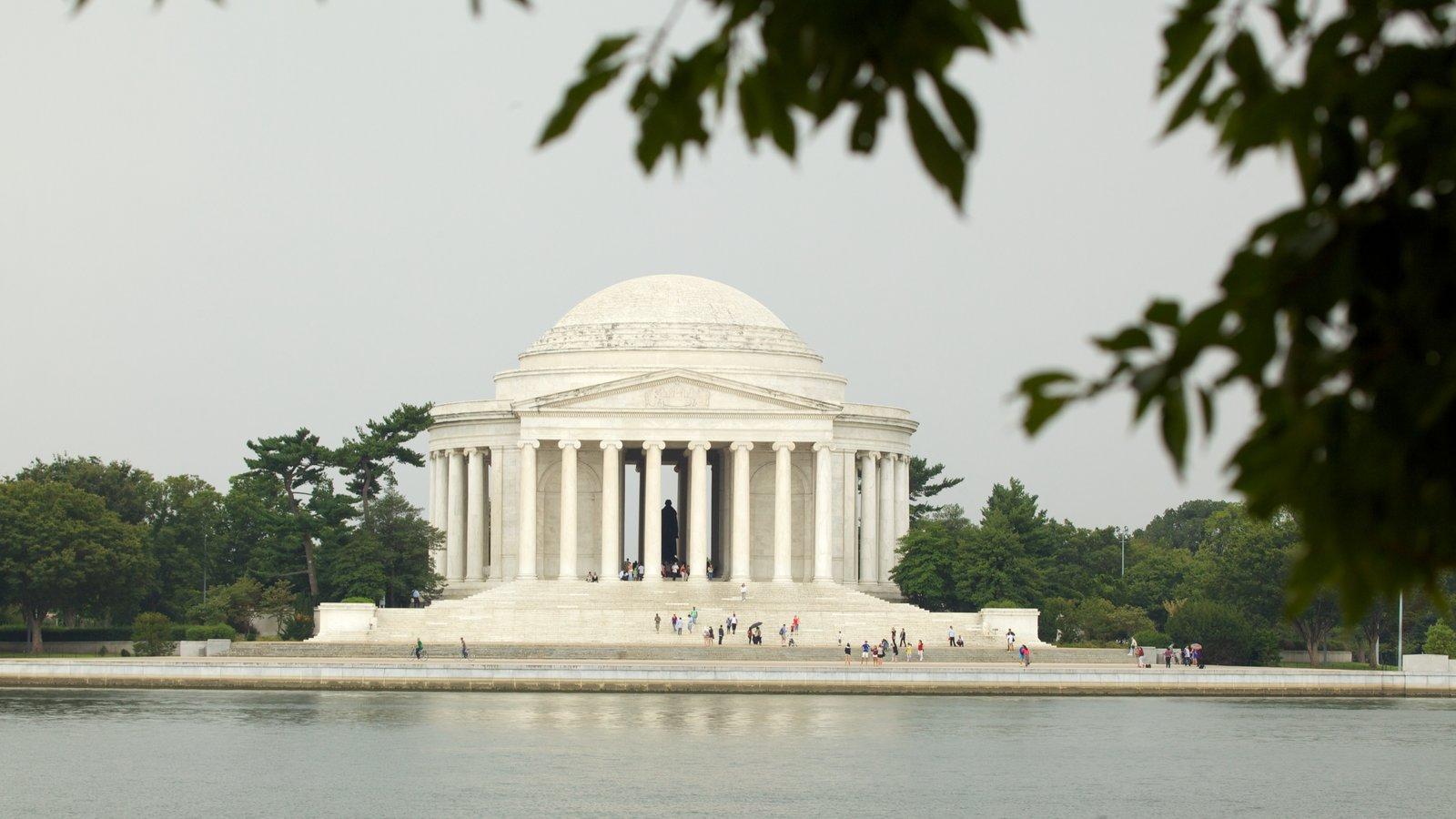 Jefferson Memorial caracterizando um memorial e paisagem
