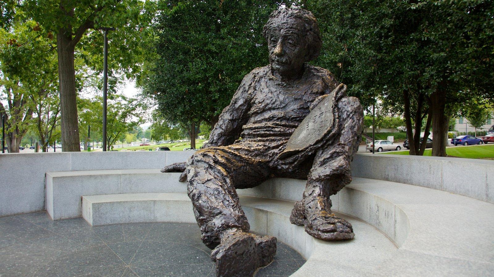National Mall mostrando um monumento, uma estátua ou escultura e um parque
