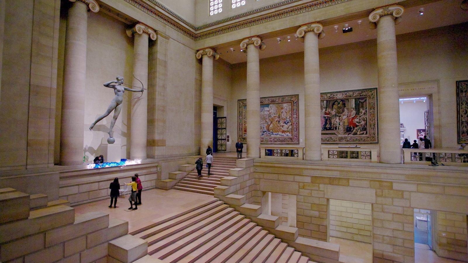 Filadelfia mostrando una estatua o escultura y vistas interiores