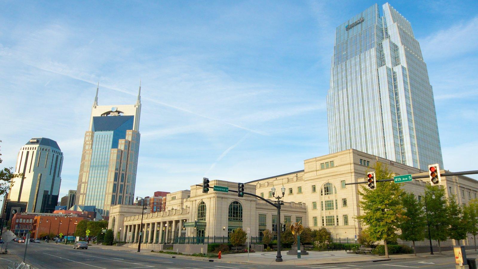 Country Music Hall of Fame and Museum mostrando horizonte, distrito financiero central y una ciudad