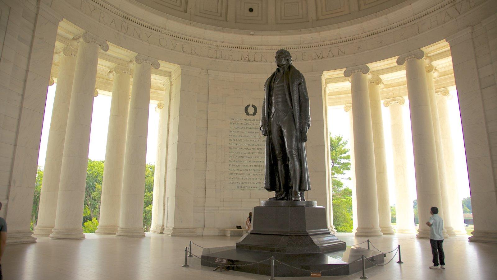 Jefferson Memorial caracterizando um memorial, uma estátua ou escultura e um monumento