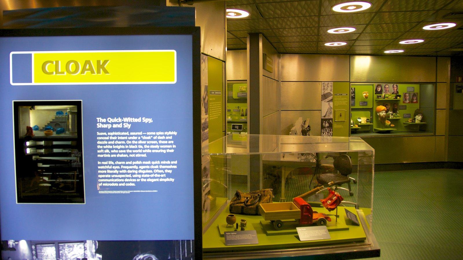 International Spy Museum caracterizando sinalização e vistas internas