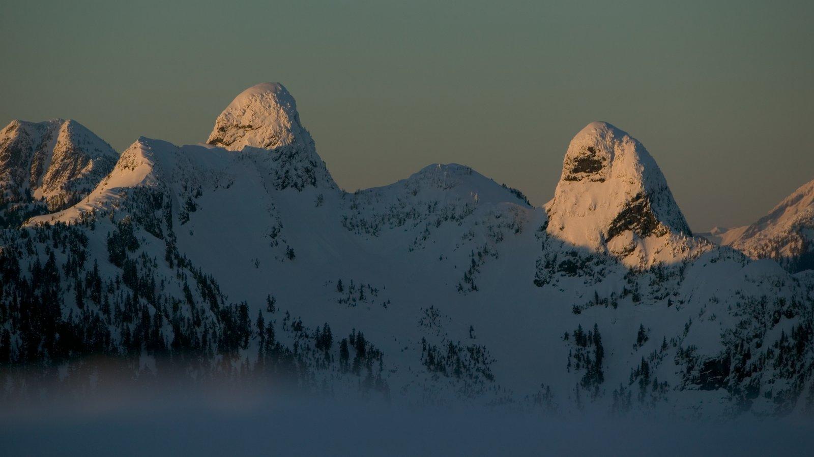 Cypress Mountain mostrando montañas y nieve