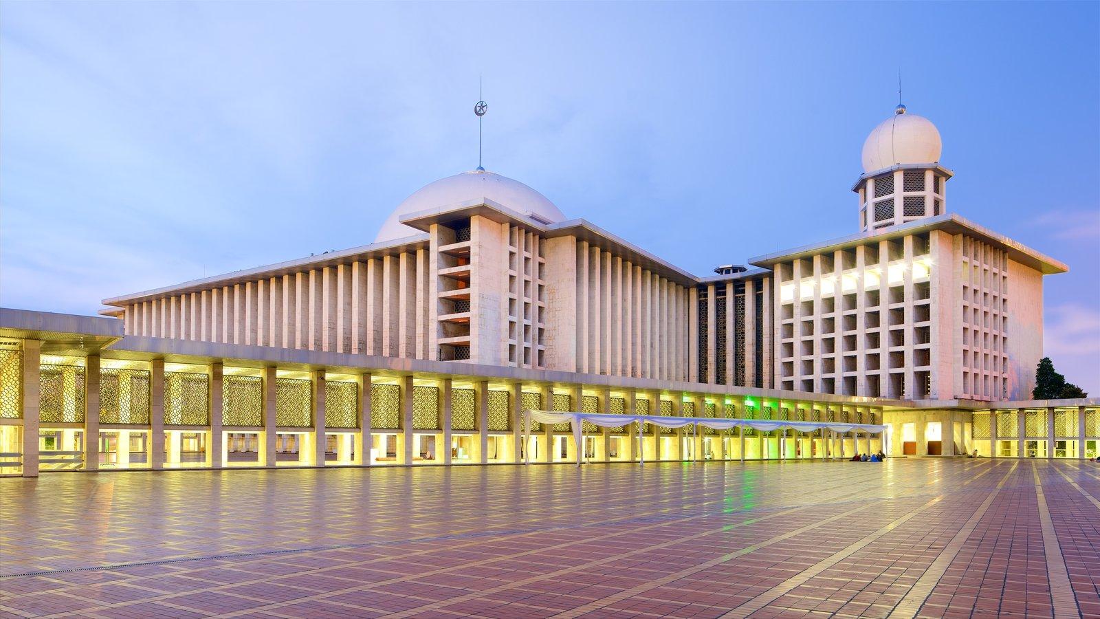 Hasil gambar untuk Istiqlal Mosque