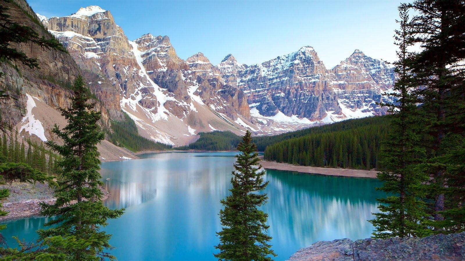 Rocosas Canadienses mostrando vistas de paisajes, montañas y un lago o abrevadero