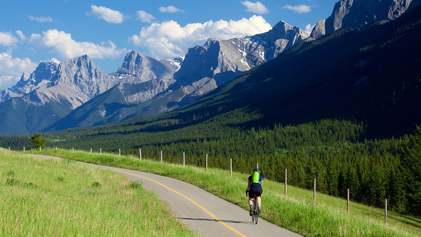 Canadian Rockies which includes landscape views, road cycling and mountains