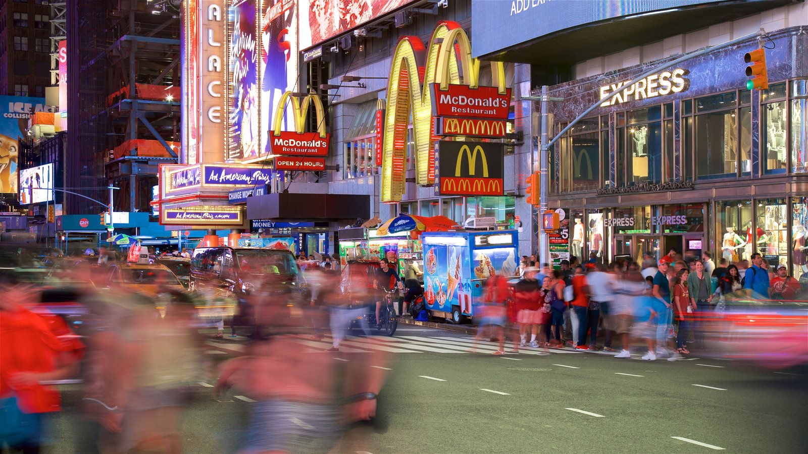 Times Square que inclui cbd, uma cidade e sinalização