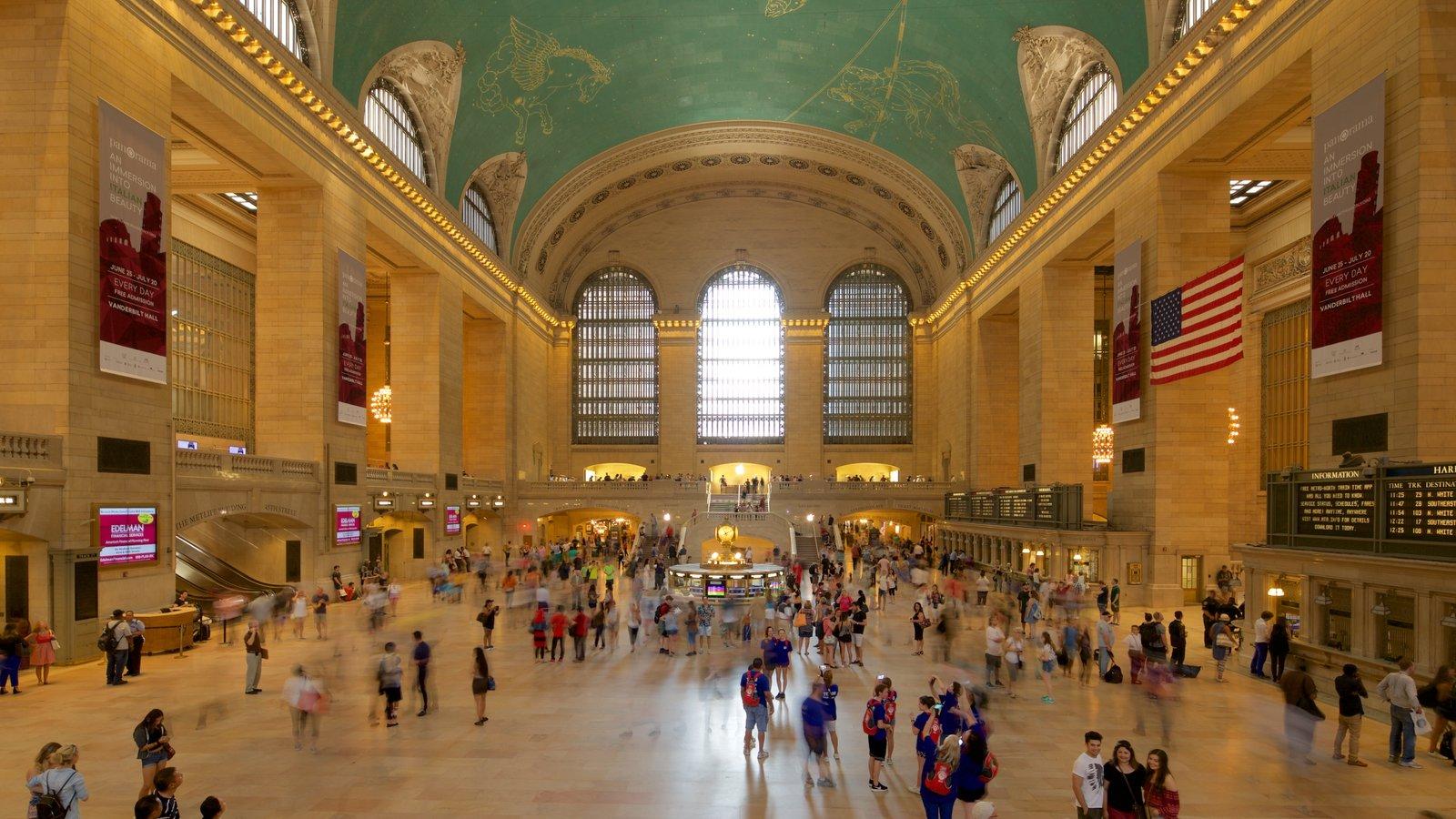 Grand Central Terminal mostrando vistas internas e elementos de patrimônio