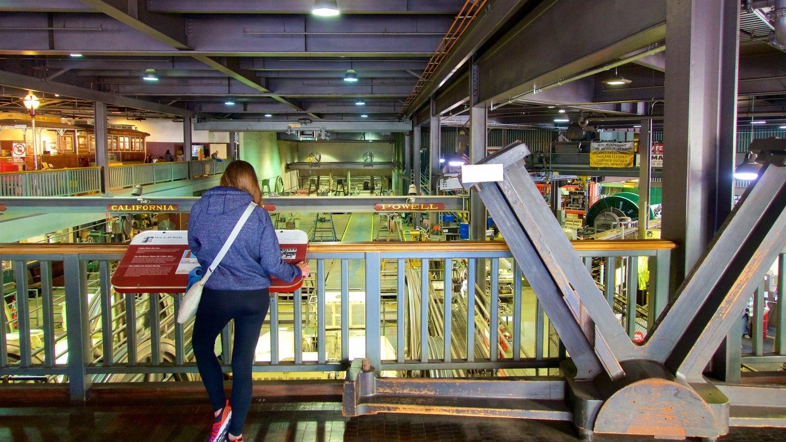 Cable Car Museum que inclui elementos de patrimônio, vistas internas e sinalização
