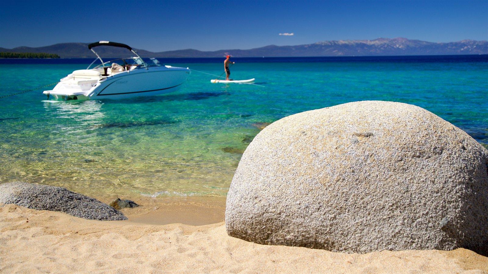 D. L. Bliss State Park mostrando paisagens litorâneas, caiaque ou canoagem e uma praia de areia