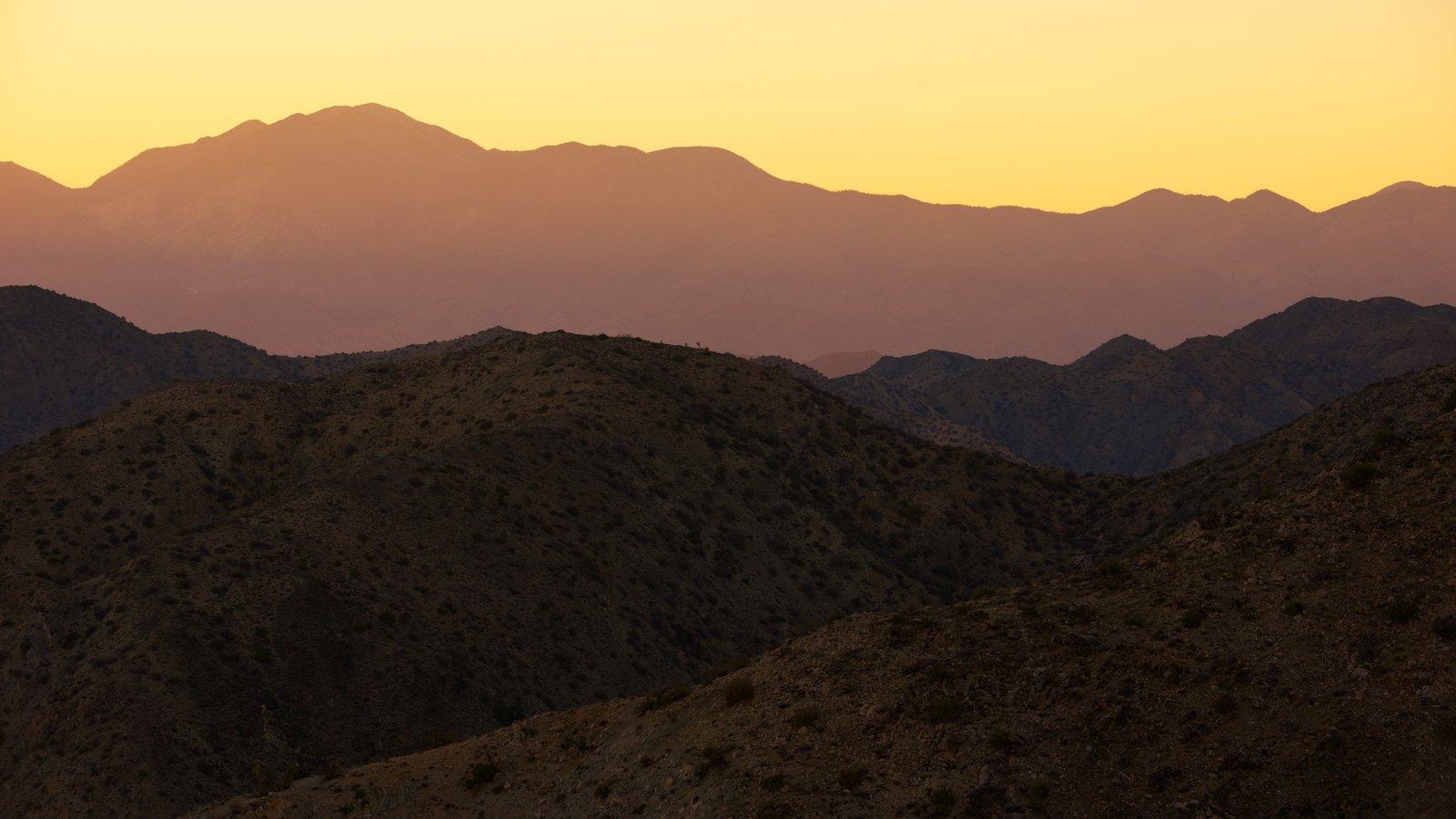 Condado de Riverside que incluye una puesta de sol y escenas tranquilas