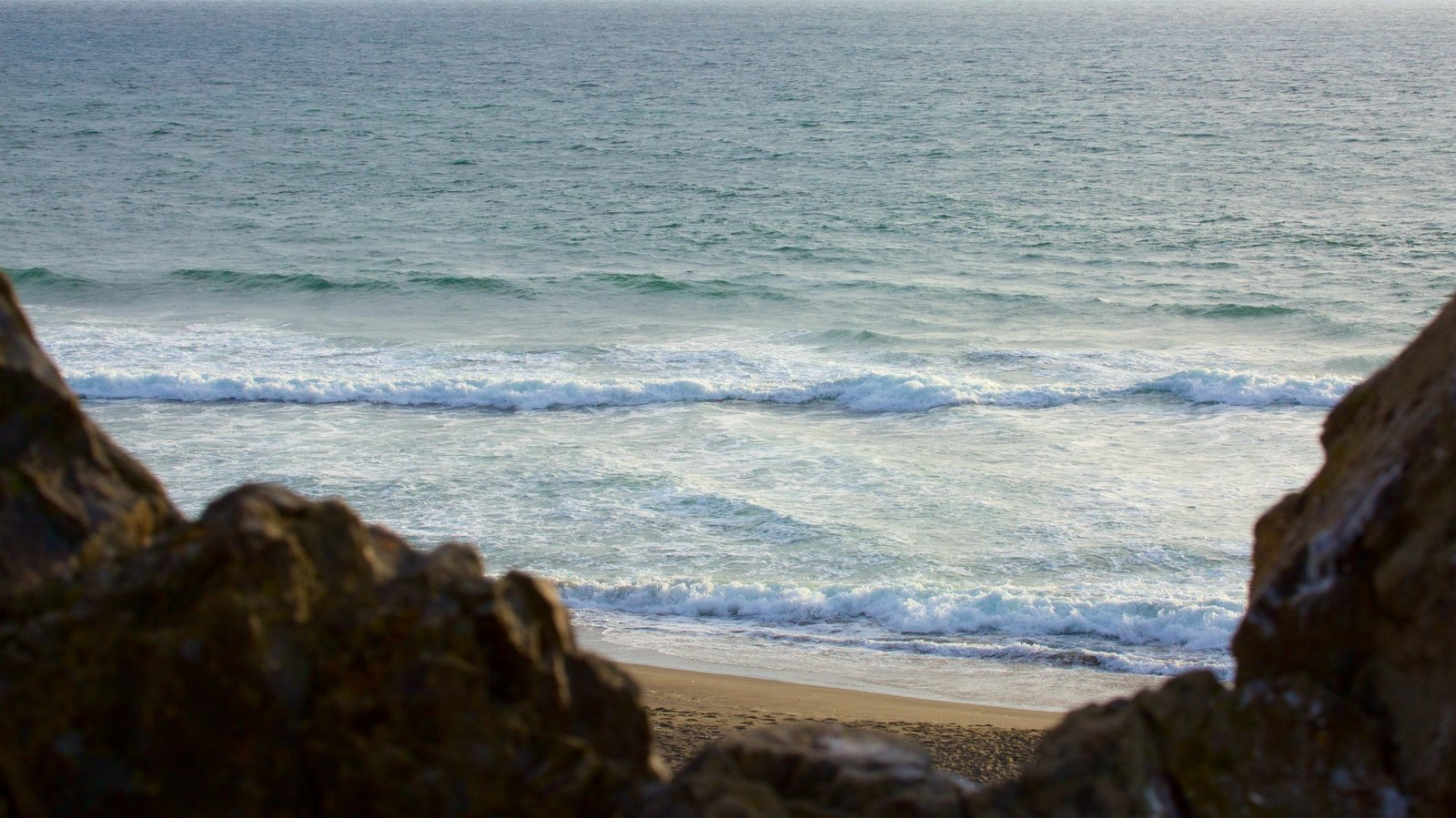 Sonoma Valley which includes general coastal views and waves