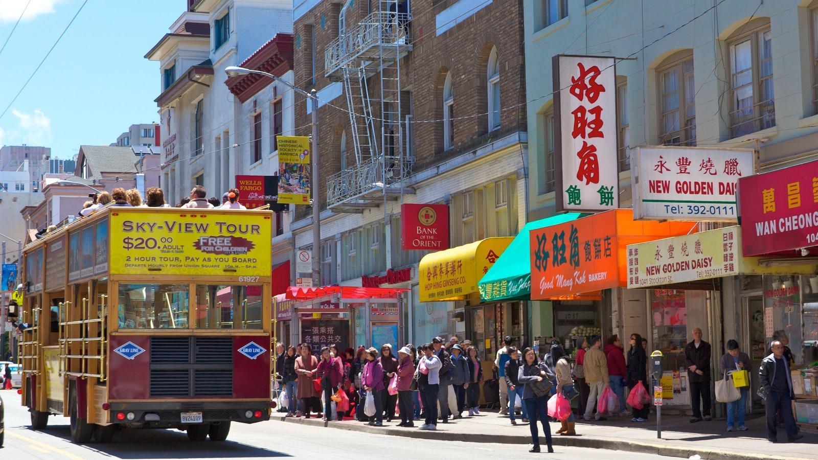 Chinatown que inclui uma cidade, cenas de rua e compras