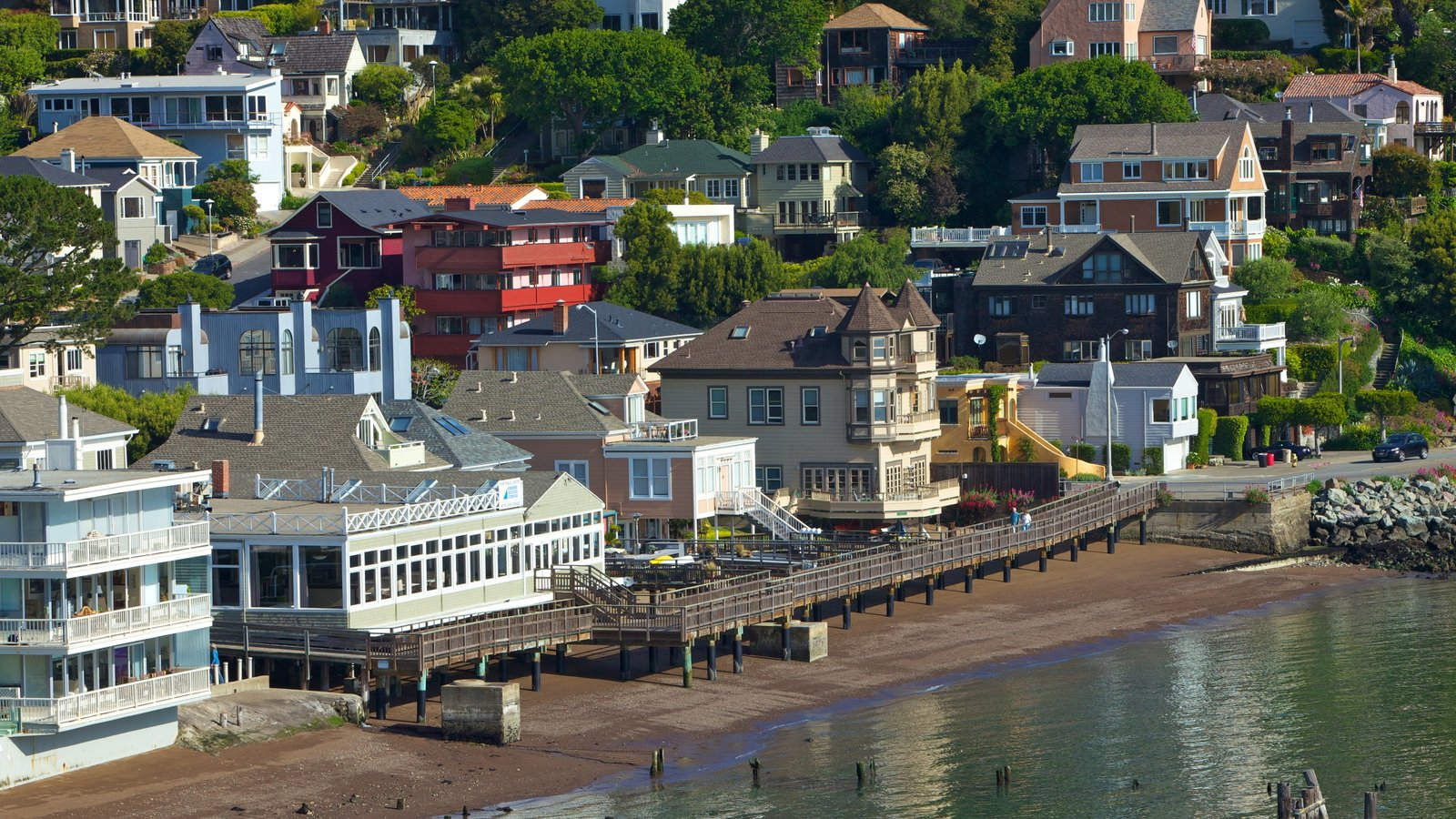 Sausalito which includes a coastal town