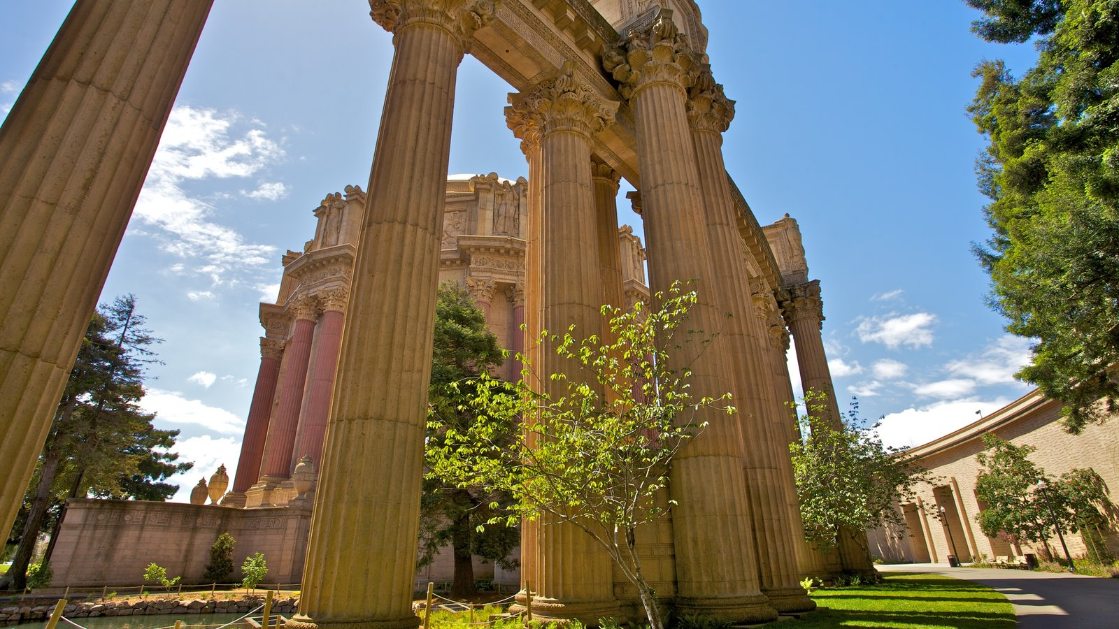 Palace of Fine Arts which includes heritage architecture and a monument