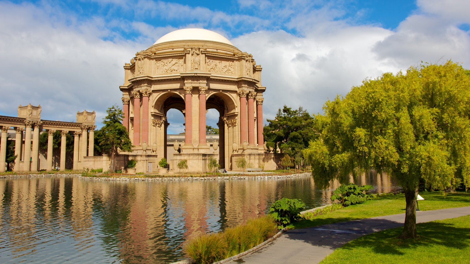 Palace of Fine Arts which includes a park, heritage architecture and chateau or palace