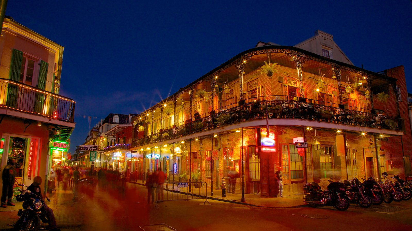 French Quarter which includes heritage architecture, night scenes and a city