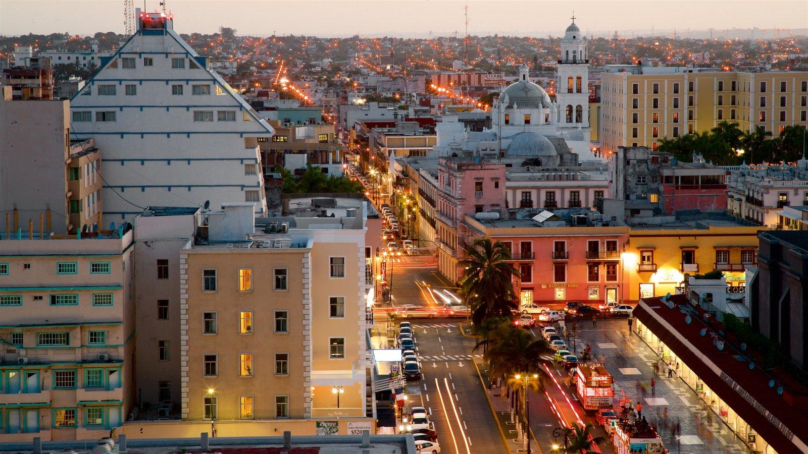 Veracruz que incluye vistas de paisajes, escenas nocturnas y una ciudad