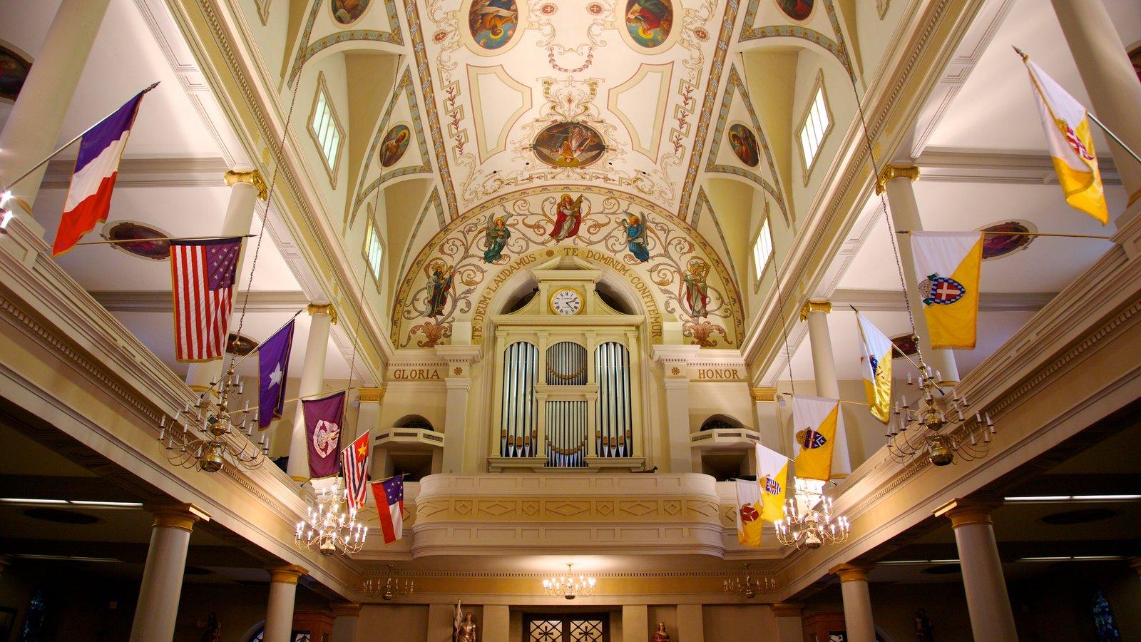 Saint Louis Cathedral caracterizando uma igreja ou catedral, vistas internas e aspectos religiosos