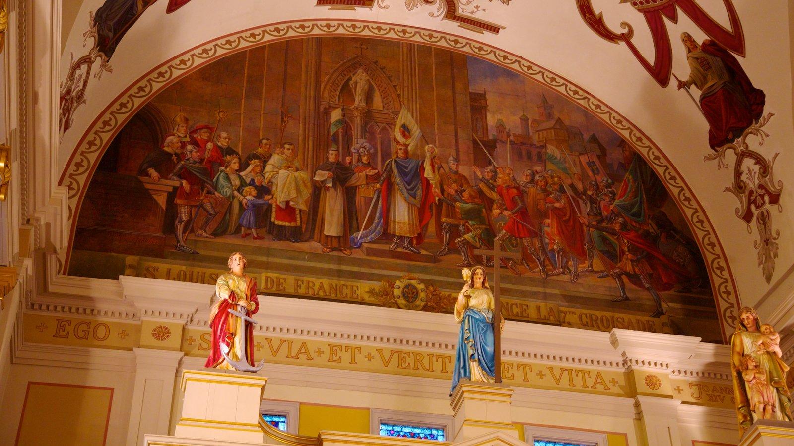 Saint Louis Cathedral caracterizando vistas internas, uma igreja ou catedral e elementos religiosos