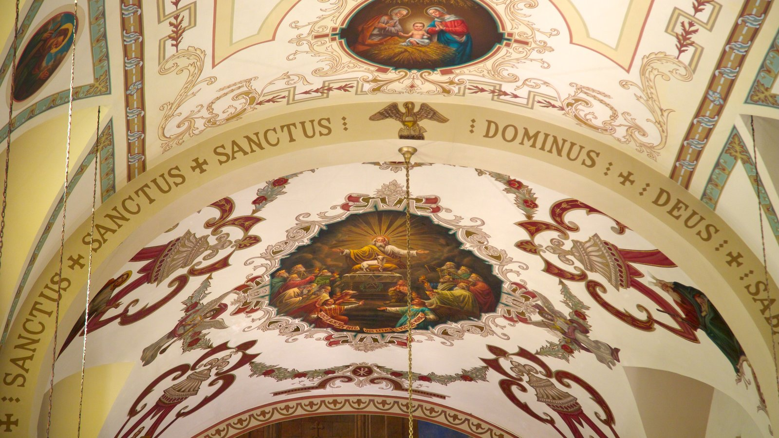 Saint Louis Cathedral caracterizando elementos religiosos, vistas internas e uma igreja ou catedral