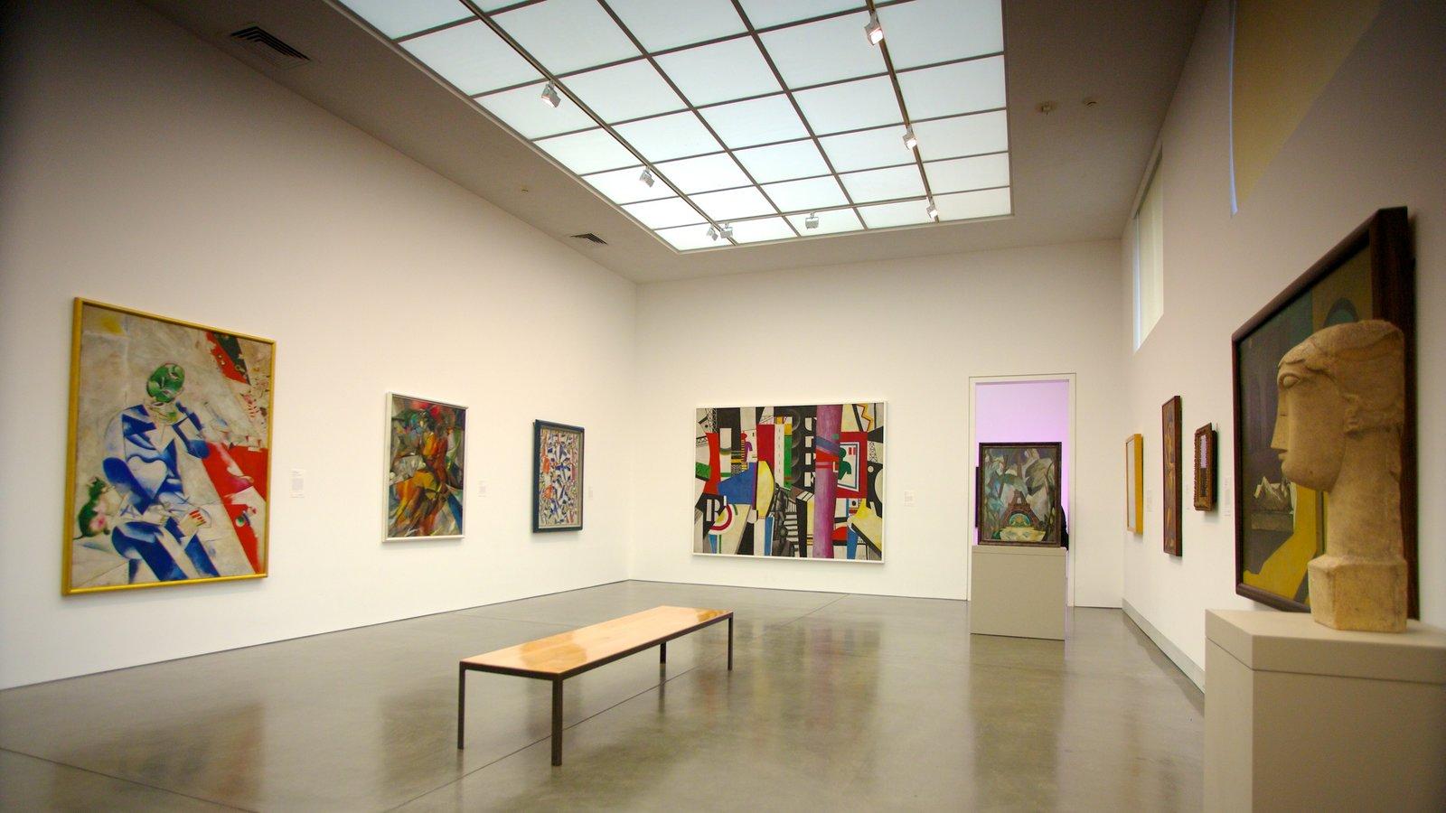 Philadelphia Museum of Art mostrando vistas interiores y arte