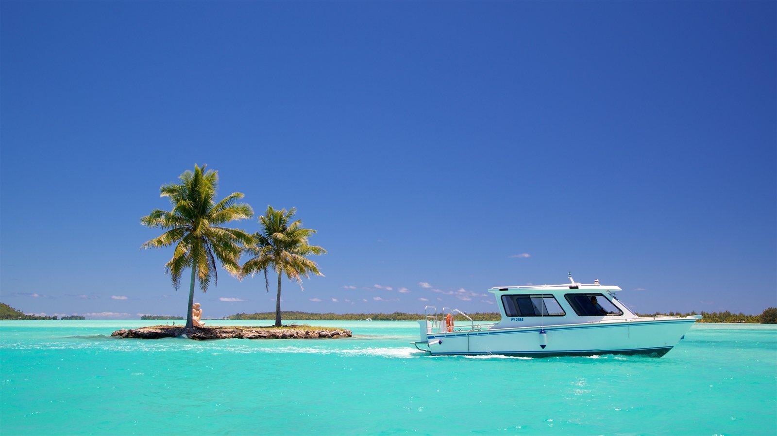 Bora Bora showing tropical scenes and boating