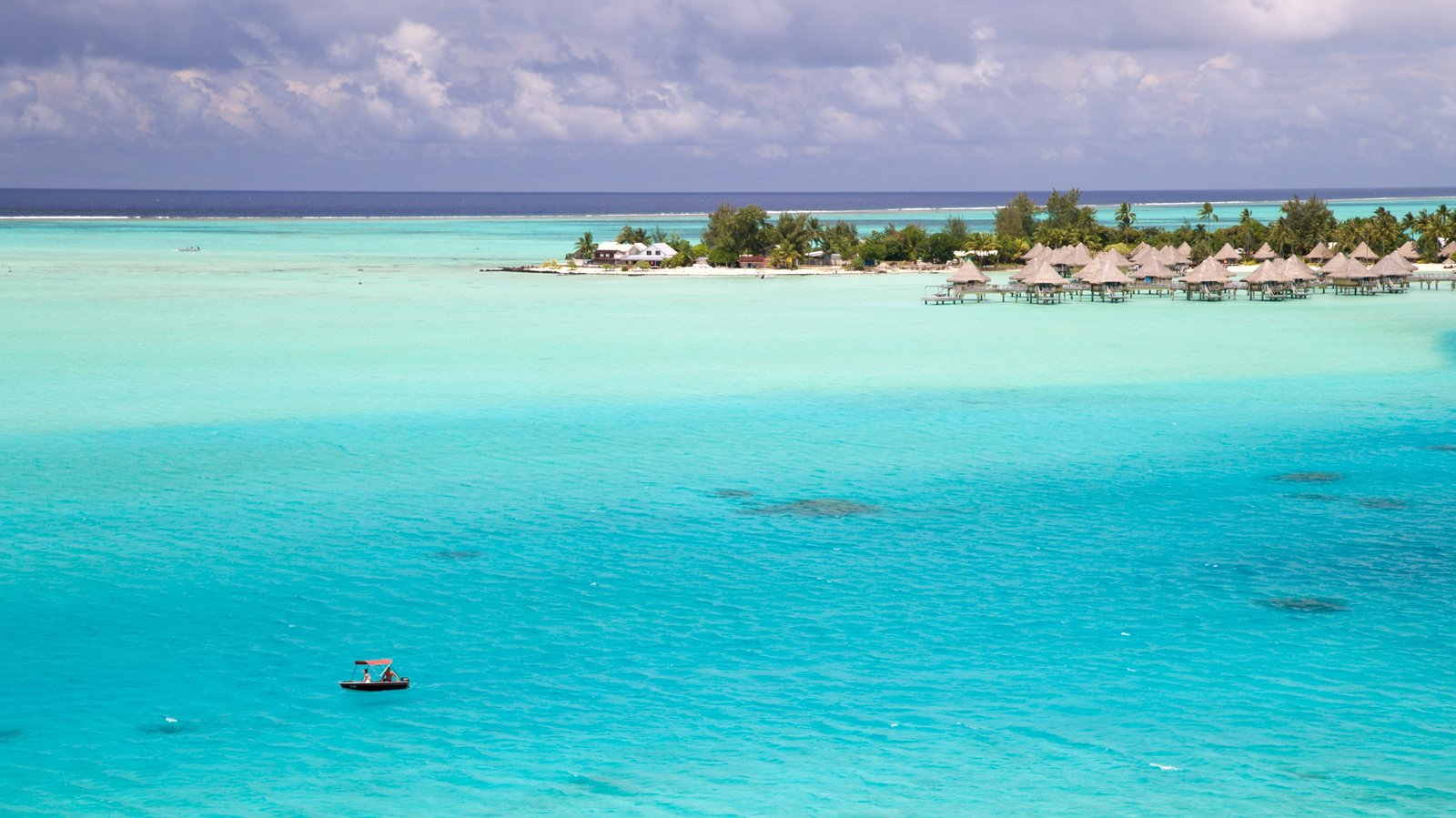 Bora Bora which includes general coastal views and tropical scenes