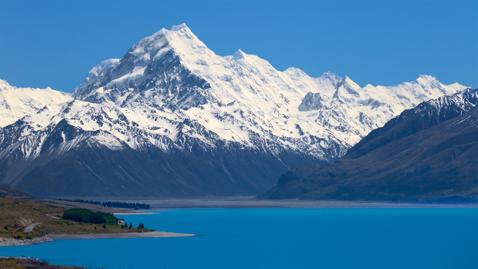Mount Cook National Park featuring mountains, snow and a lake or waterhole