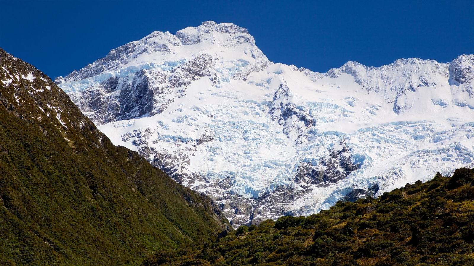 Mount Cook National Park showing mountains, tranquil scenes and snow