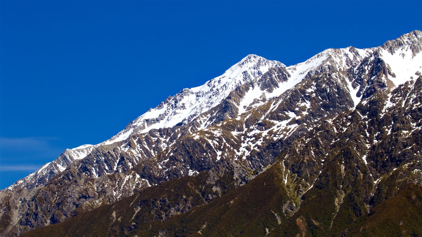 Mount Cook National Park which includes mountains and snow