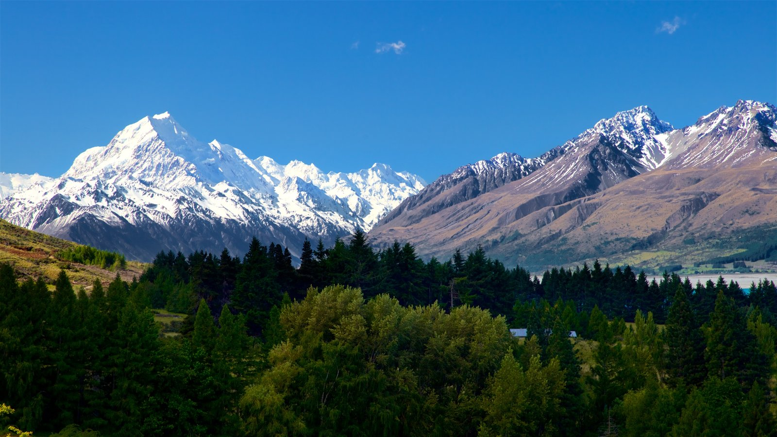 Mount Cook National Park showing landscape views, snow and tranquil scenes