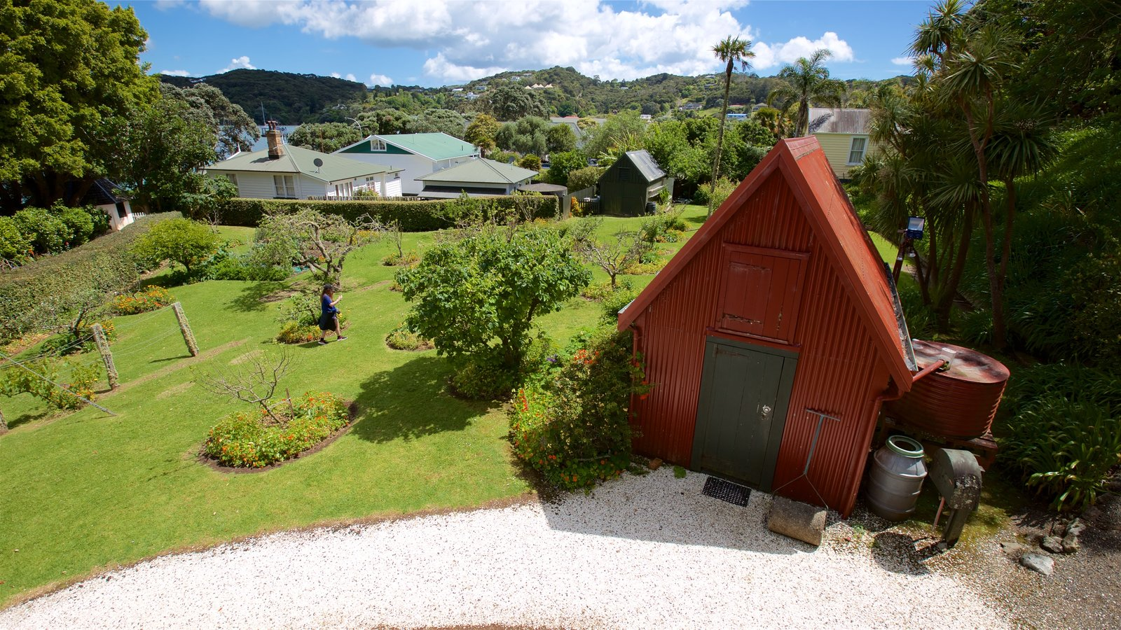 Russell featuring a garden