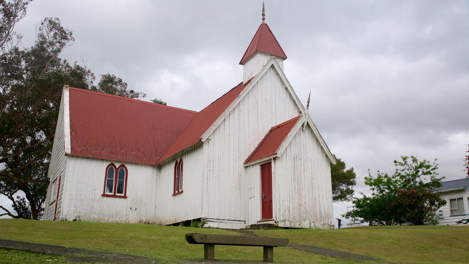 Rawene mostrando una iglesia o catedral y elementos del patrimonio