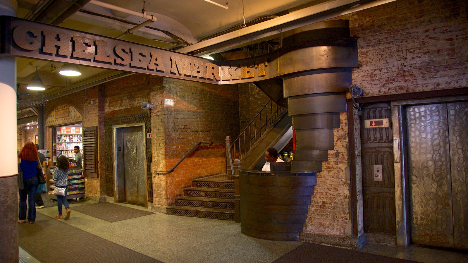 Chelsea Market showing interior views and signage