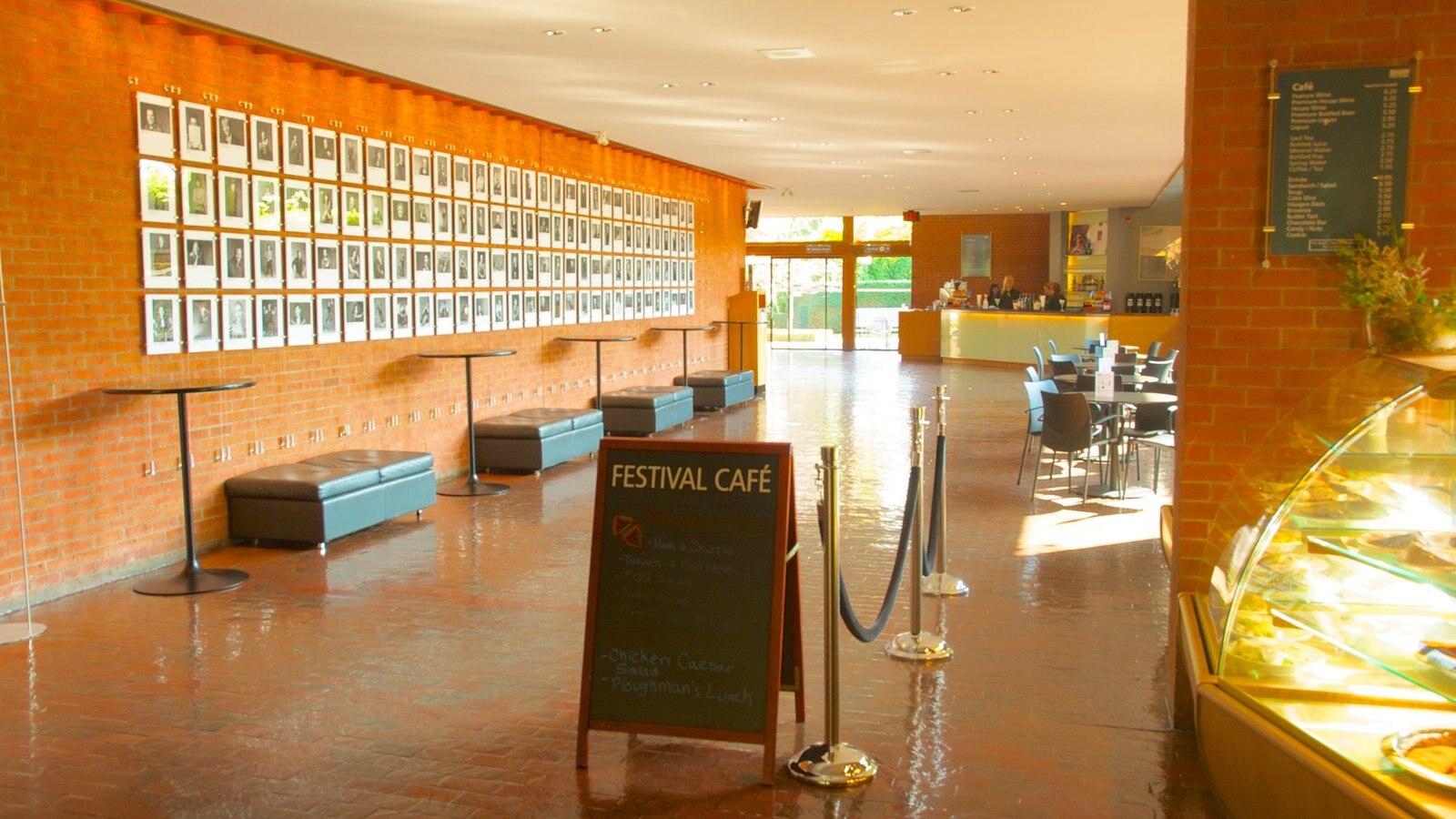 Niagara-on-the-Lake caracterizando vistas internas e cenas de cafeteria