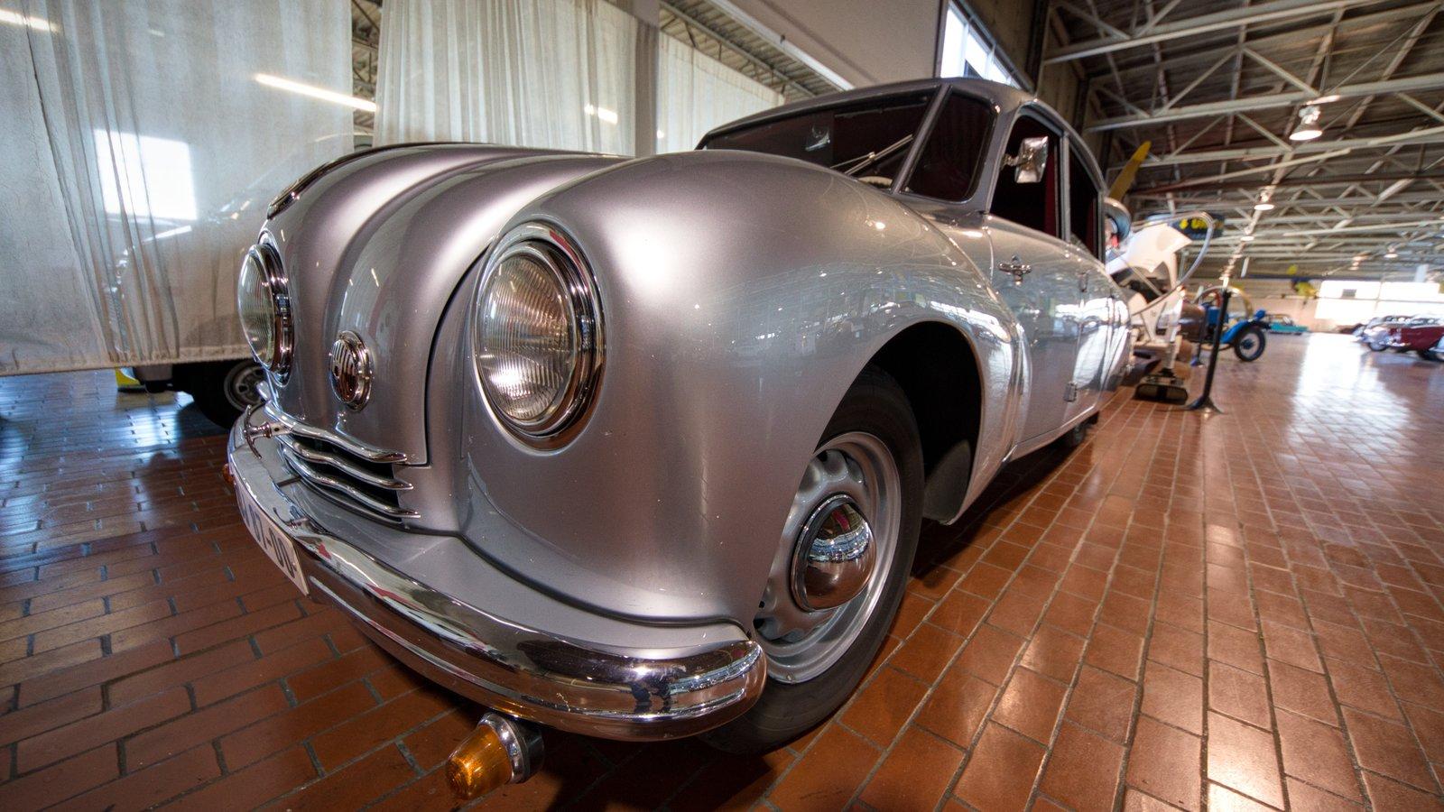 Lane Motor Museum ofreciendo vistas interiores