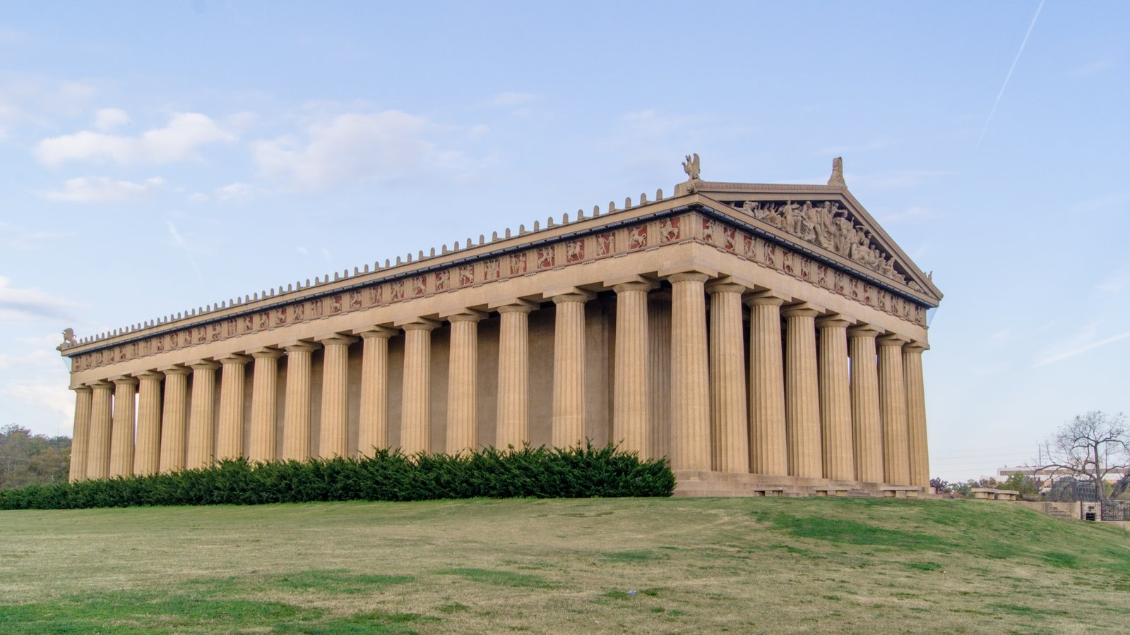 Parthenon showing a castle and heritage architecture