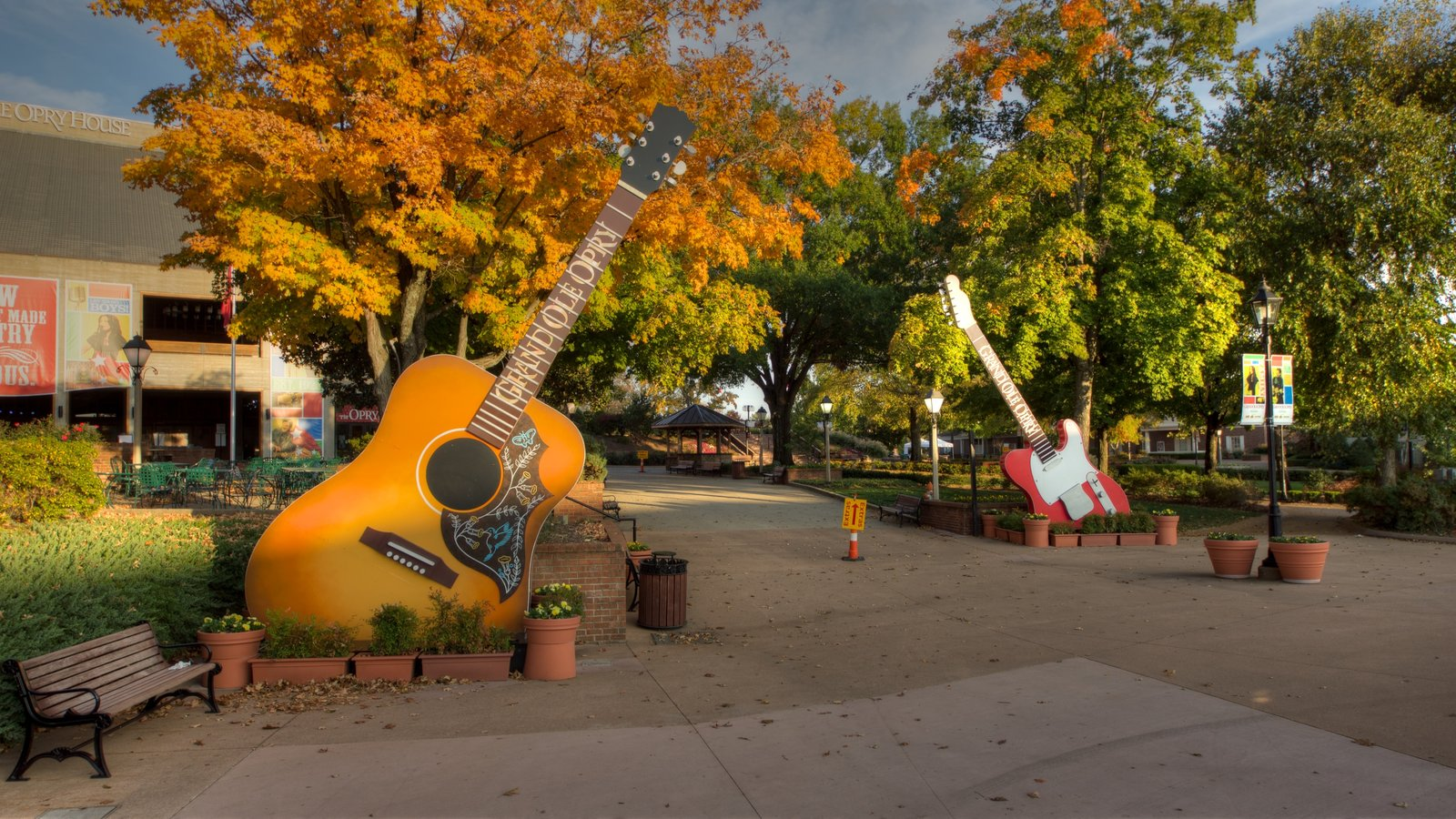 Grand Ole Opry which includes art and a garden