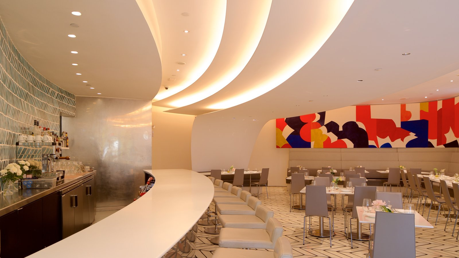 Solomon R. Guggenheim Museum Pictures: View Photos ...  Guggenheim Inside